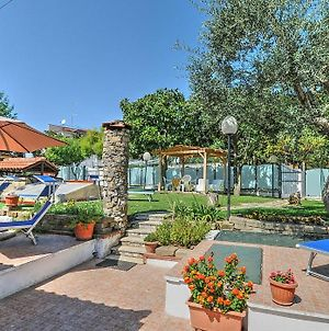 Sant'Agata Sui Due Golfi Villa Sleeps 4 Air Con photos Exterior