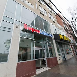 Red Roof Inn Flushing Hotel photos Exterior