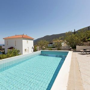 Beautiful Villa In Agia Paraskevi Samos With Swimming Pool photos Exterior