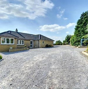 Plush Holiday Home In Harmby Yorkshire With Garden photos Exterior
