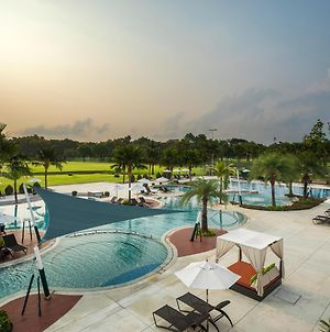 Eastin Thana City Golf Resort Bangkok photos Exterior