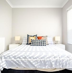 Maylands Vacation Apartments 2 Bedrooms 1 Bathroom Complimentary Parking Bay 15 Minutes To Airport With Wifi Netflix Stan & 5 Minutes To Perth Cbd photos Exterior