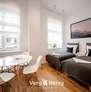 Very Berry - Orzeszkowej 14 - Mtp Apartment, Parking, Check In 24H photos Exterior