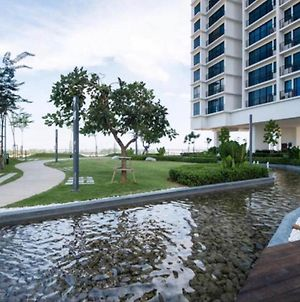 2-Bedroom Apartment@Trefoil Setia Alam photos Exterior