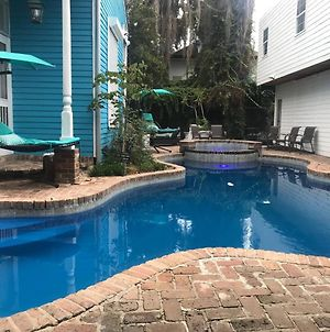 4 Bedroom - Sleeps 8! Best Location Next To Bourbon Street! photos Exterior
