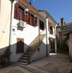 Pula Apartment Sleeps 4 Air Con Wifi photos Exterior