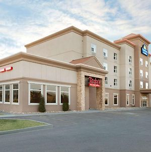 Days Inn & Suites By Wyndham Edmonton Airport photos Exterior