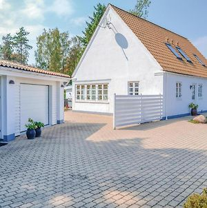 Eight Bedroom Holiday Home In Ebeltoft photos Exterior