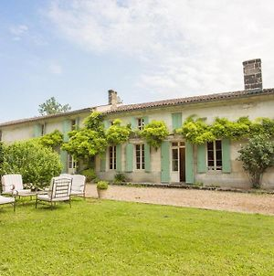 Lussac-Les-Chateaux Villa Sleeps 12 Pool Wifi photos Exterior