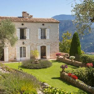 Saint-Martin-De-Pallieres Chateau Sleeps 14 Pool photos Exterior