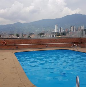 Amazing 3 2 Pool Gym Wifi Mall With Movie Theater Only 5Min From Sabaneta photos Exterior