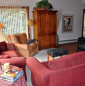 Affordable 1 Bedroom + Loft East Vail Condo #2E. Shuttle And Hot Tub. photos Exterior