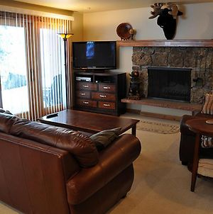 Stunning Creekside East Vail 2 Bedroom Condo #401 W Hot Tub. photos Exterior