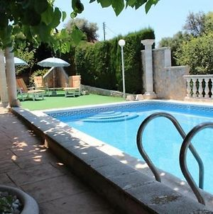 Santa Susanna Villa Sleeps 8 Pool Air Con Wifi photos Exterior