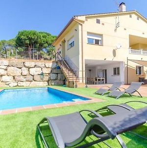 Lloret De Mar Villa Sleeps 6 Pool Air Con Wifi photos Exterior