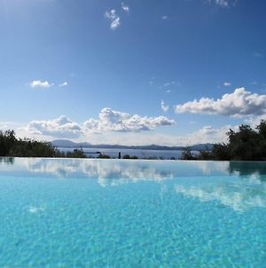 Nisaki Villa Sleeps 6 Pool Wifi photos Exterior