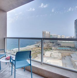 Modern Seaview Apartment In A Prime Location photos Exterior