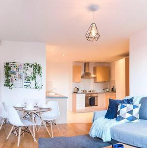 Modern 2 Bedroom Apartment In City Centre With Balcony photos Exterior