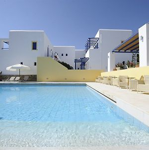 Mr And Mrs White Paros photos Exterior