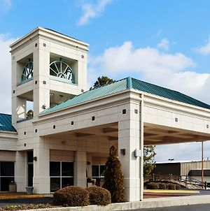 Holiday Inn Express Hotel & Suites Huntsville University Drive photos Exterior