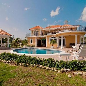 Copperwood Luxury Oceanfront Villa With Pool photos Exterior