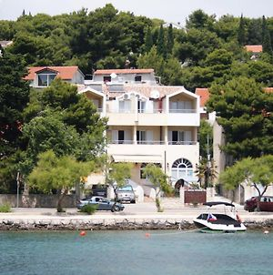 Apartments By The Sea Tisno 3222 photos Exterior