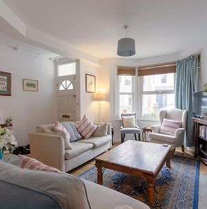 1 Bedroom Home With Private Garden In Barons Court photos Exterior