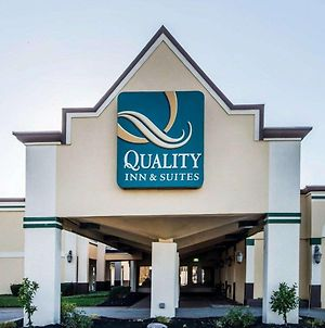 Quality Inn & Suites Conference Center Across From Casino photos Exterior