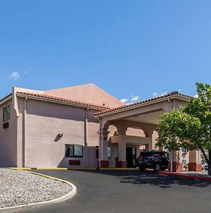 Quality Inn & Suites Albuquerque North Near Balloon Fiesta Park photos Exterior