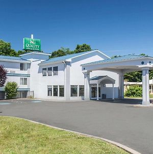 Quality Inn & Suites Danbury Near University photos Exterior