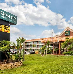 Quality Inn & Suites Tarpon Springs South photos Exterior