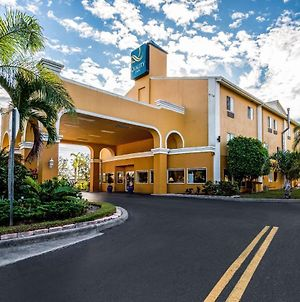 Quality Inn Sarasota I-75 photos Exterior
