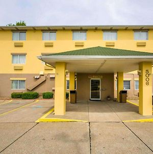 Quality Inn East Evansville photos Exterior