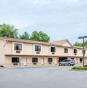 Quality Inn East Windsor - Princeton photos Exterior