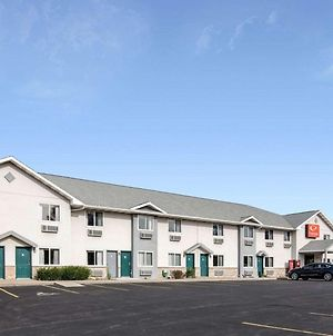 Econo Lodge Inn & Suites Canandaigua photos Exterior