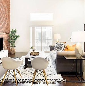 Minimalist Nyc Style Penthouse Loft With Skylights photos Exterior