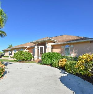 Whiteheart Ave. 1184 Marco Island Vacation Rental 3 Bedroom Home photos Exterior