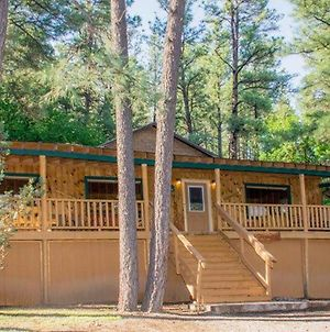 Whispering Pine Cabins Castle Cabin photos Exterior