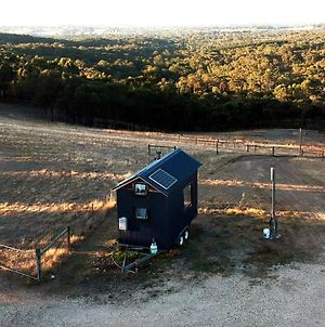 Seven Hills Tiny House Hideway, 1Hr From Melbourne photos Exterior