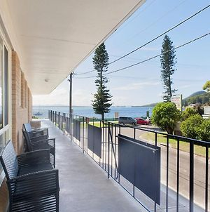 1 'Shoal Towers' 11 Shoal Bay Road Fantastic Unit Across The Road From Beach photos Exterior