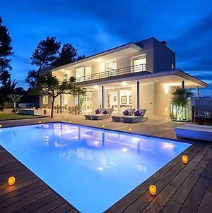 Ses Paisses Villa Sleeps 9 With Pool And Air Con photos Exterior