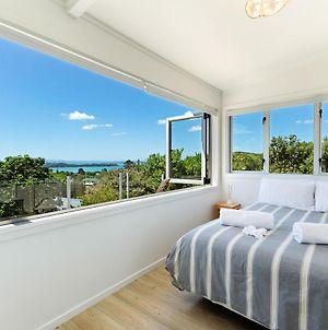 Tiri Cottage - Sea Views In Oneroa By Waiheke Unlimited photos Exterior