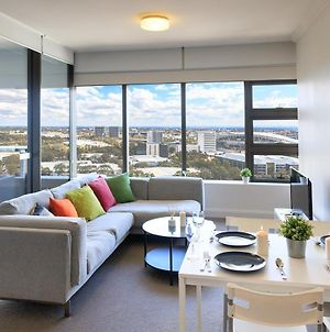 Homey Cozy Unit With Panoramic View & Free Carpark photos Exterior