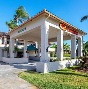 Econo Lodge Vero Beach - Downtown photos Exterior