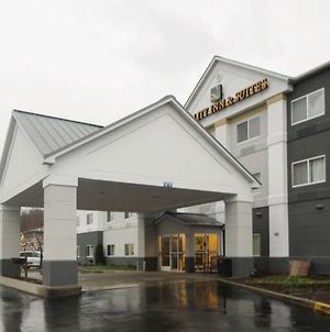 Quality Inn & Suites Uniontown photos Exterior