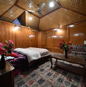 Independent Goonapalace Group Of Houseboats photos Exterior
