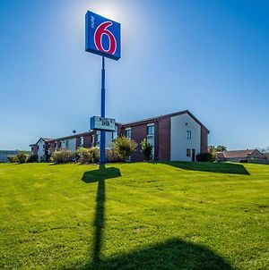 Motel 6 Saukville photos Exterior