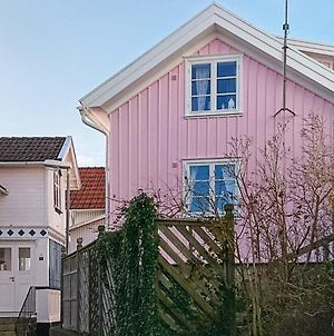Two-Bedroom Holiday Home In Grundsund 2 photos Exterior