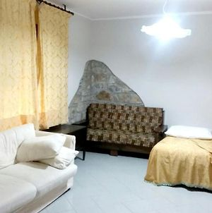 Apartment With 2 Bedrooms In Petrosa With Furnished Terrace And Wifi 5 Km From The Beach photos Exterior