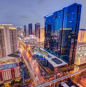 Penthouse Suite With Strip View At The Signature At Mgm Grand photos Exterior